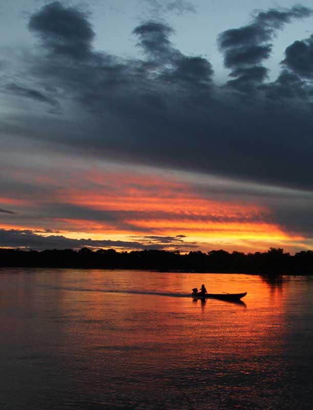 peki-peki-boat-amazon-sunset