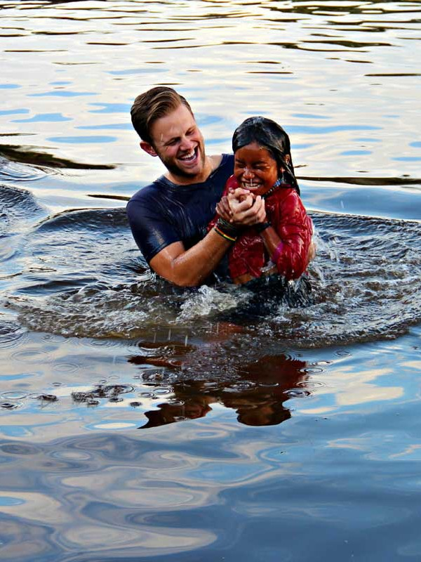 peru-girl-river-baptism